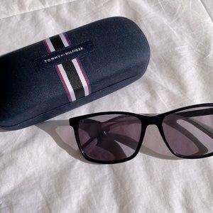 TOMMY HILFIGER Sunglasses ✨